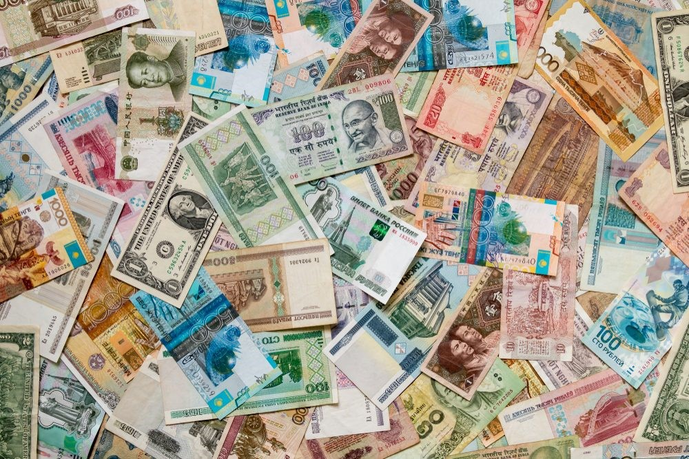 You earn money online in foreign currencies